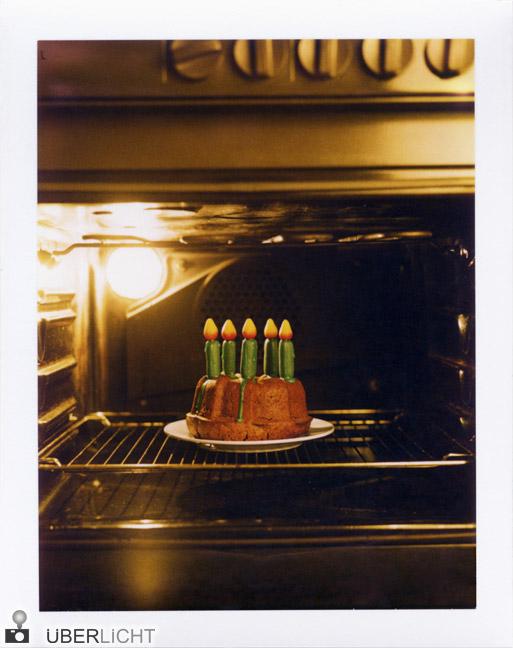 Geburtstagskuchen im Ofen Polaroid 600 SE Typ 100