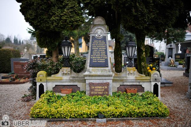 Nikon 35 1,4 Nikkor D700 Friedhof trist Simbach Ehrenbuerger