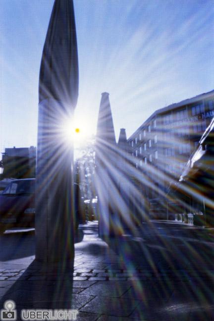 Lochkamera Muenchen Camera Obscura Viktualienmarkt Sonne Strahlen