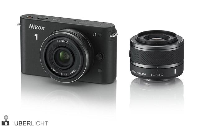 Nikon J1 mit 1 NIKKOR VR 10-30 mm 1:3,5-5,6