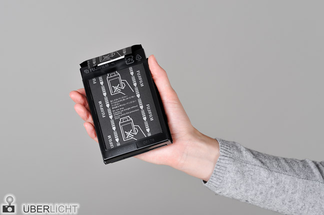 Polaroid Kassette Packfilm einlegen Fujifilm FP-100B Schritt 4