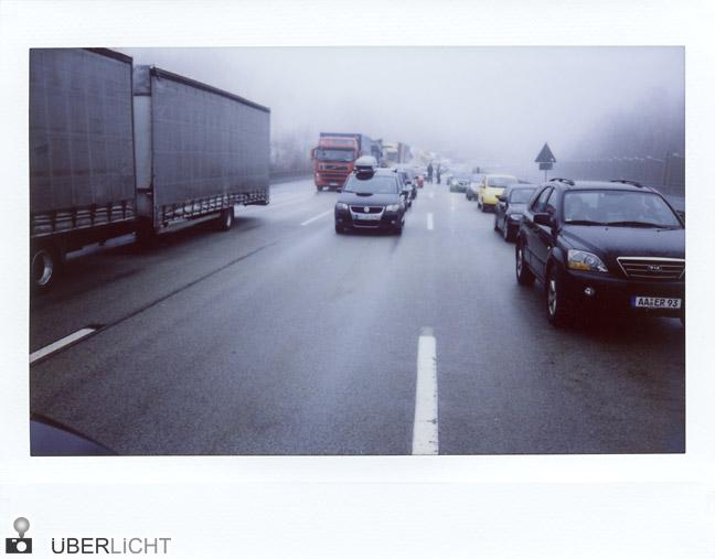 Fujifilm Instax 210 Vollsperrung auf der A7 - Stau im Winter