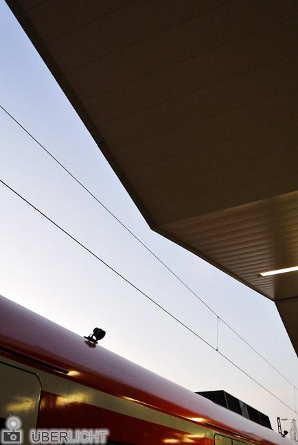 Nikon 1 V1 Nikkor 10-30 VR Bahnhof Muenchen Neuperlach