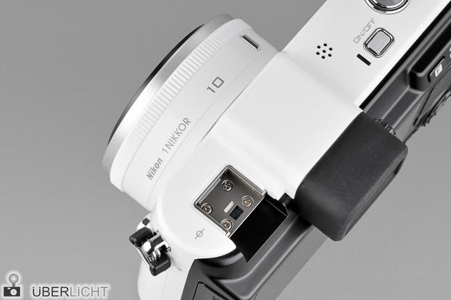 Nikon 1 V1 Oberseite Multizubehoeranschluss Blitzschuh weiss