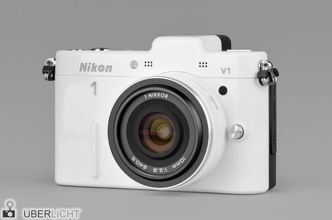 Nikon 1 V1 weiss front Nikkor 10 2,8 Pancake Objektiv