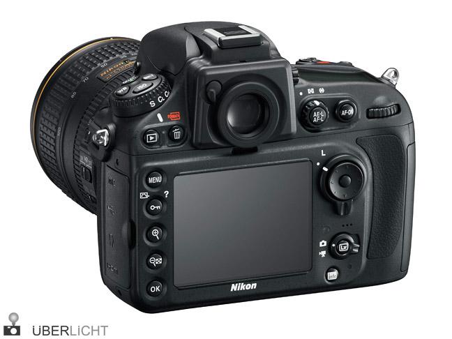 Nikon D800 mit AF-S 24-120 Ansicht der Rückseite