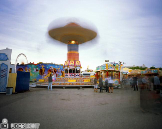 Harman Titan Pinhole Lochkamera Camera Obscura 4x5 Frühlingsfest München Karussell