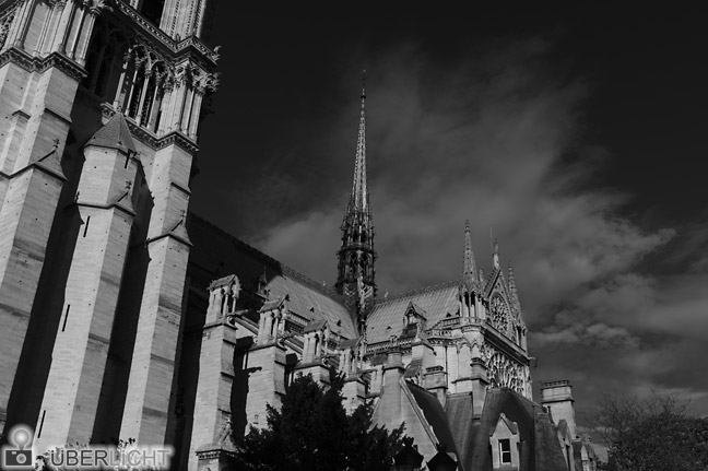 Leica M Monchrom Notre Dame (Orange-Filter) ISO320