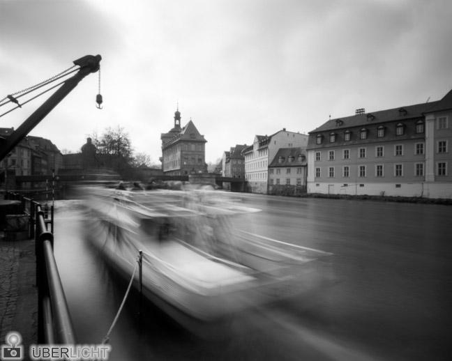 Harman Titan Lochkamera 4x5 Pinhole Camera Obscura Bamberg Schiff Fluss