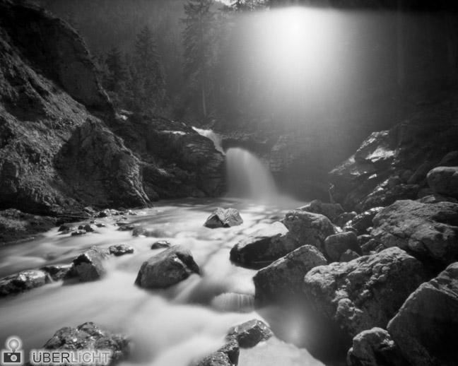 Harman Titan Lochkamera Camera Obscura Flussbett Pinhole 4x5