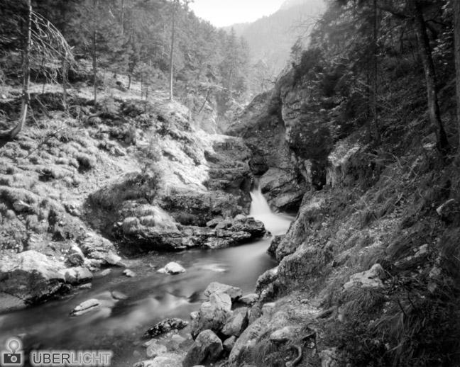 Harman Titan Lochkamera Pinhole Fluss Tal
