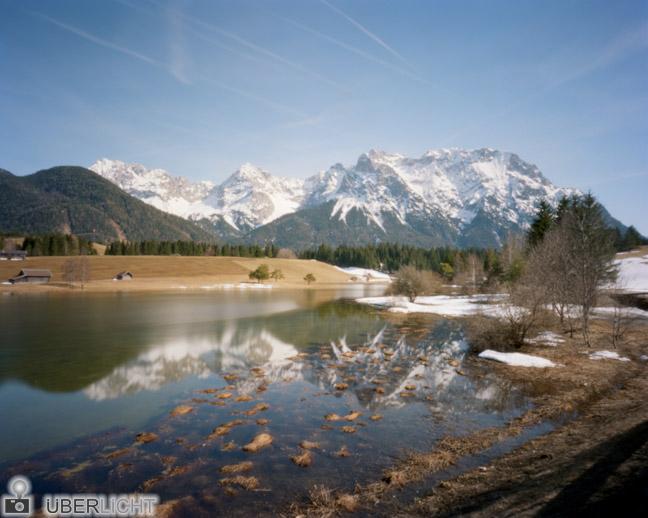 Harman Titan Pinhole 4x5 Alpen See Gebirge Lochkamera