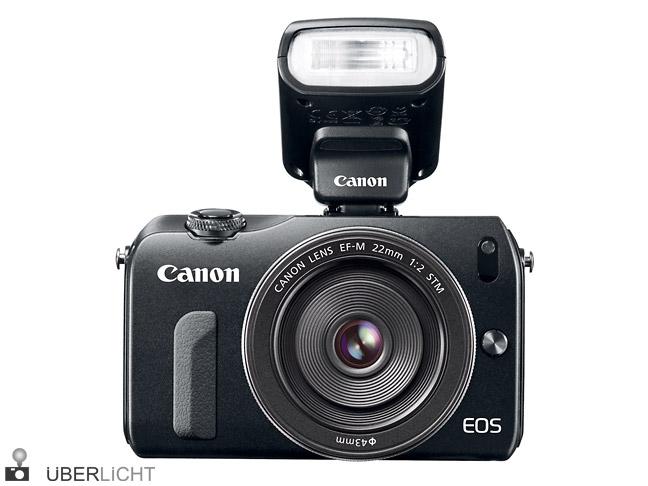 Canon EOS M mit Systemblitz Speedlite 90EX