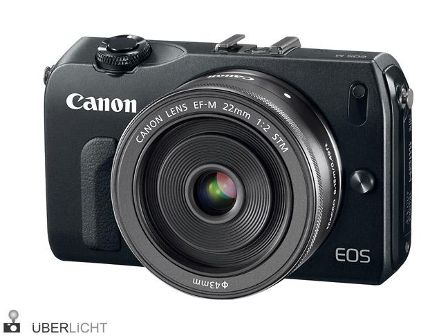 Canon EOS M mit 22 mm 1:2 Objektiv in schwarz