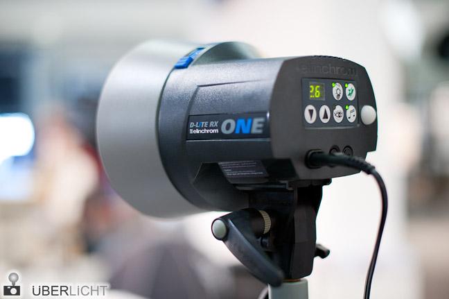 Elinchrom D-Lite RX ONE Blitz mit Reflektor 16 cm auf der Photokina