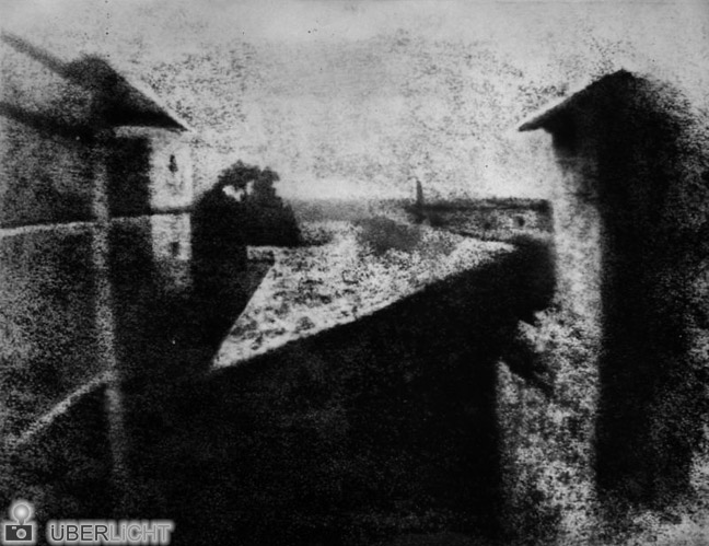 Nicephore Niepce erste Fotografie Blick aus dem Fenster in Le Gras 1826