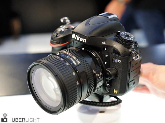 Nikon D600 mit 24-85 VR Nikkor auf der Photokina