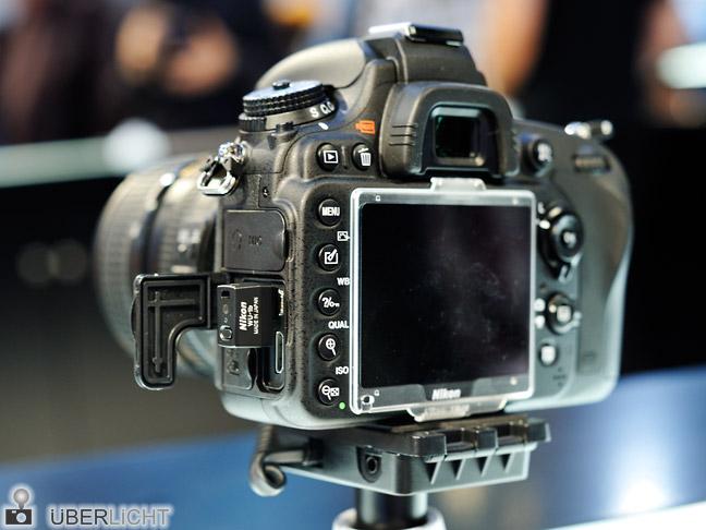 Nikon D600 mit WU-1b angesteckt auf der Photokina