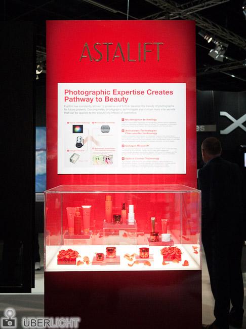 Kurioses Photokina: Astalift Fujifilm Beauty-Produkt Schönheitspflege