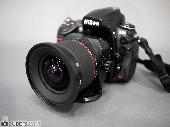 Walimex Tilt-Shift 24 mm f/3,5 an einer Nikon D700 auf der Photokina 2012