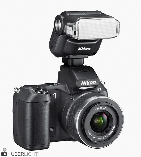 Nikon 1 V2 mit Blitzgerät SB-N7