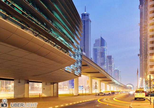 Nikon AF-S 24-70 Nikkor 2,8G Dubai Metro-Station Sheikh Zayed Road