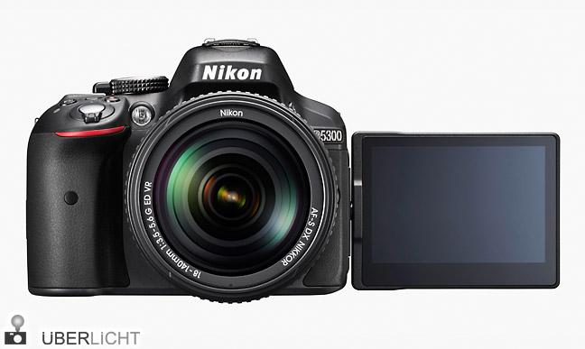 Nikon D5300 mit 18-140 mm Wifi und GPS in Schwarz