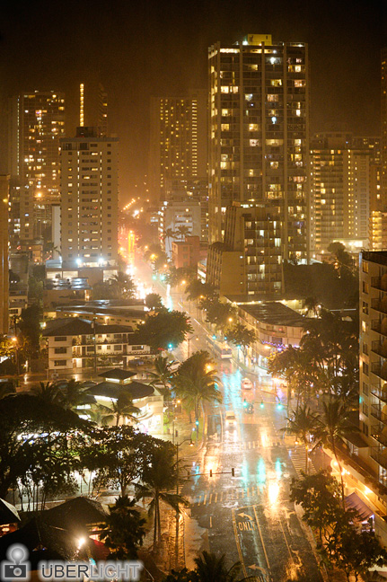 Naechtliches Gewitter in Honolulu