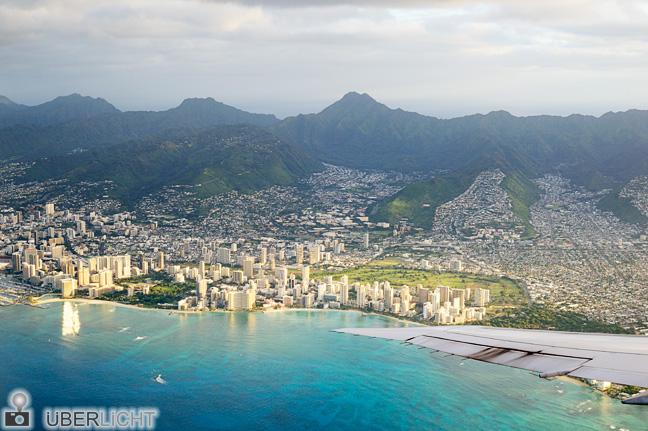 Luftaufnahme von Honolulu (Waikiki) im Morgenlicht Hawaii