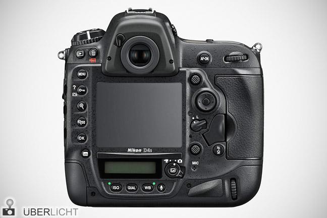 Rueckseite der Nikon D4S